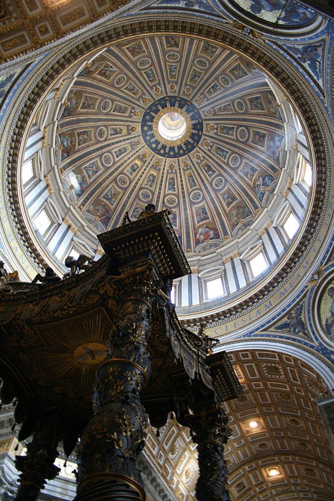 0_Coupole_-_Basilique_St-Pierre_-_Vatican_(2)