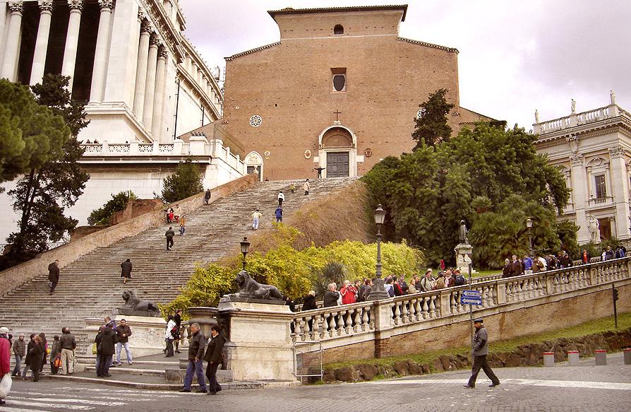 天坛圣母大殿正面和大台阶