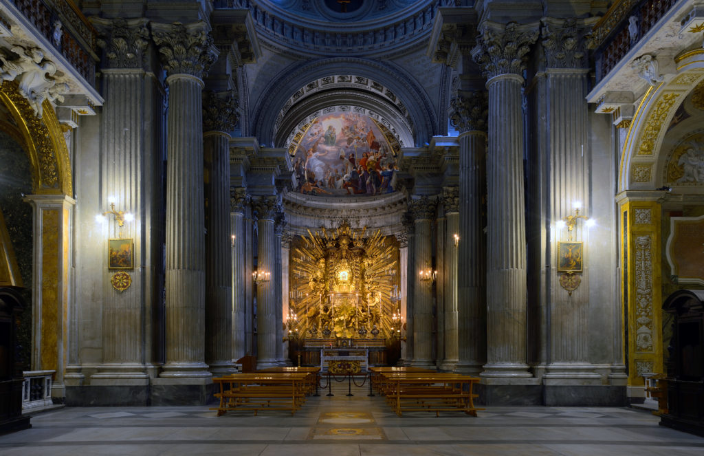金碧地利圣母堂祭台