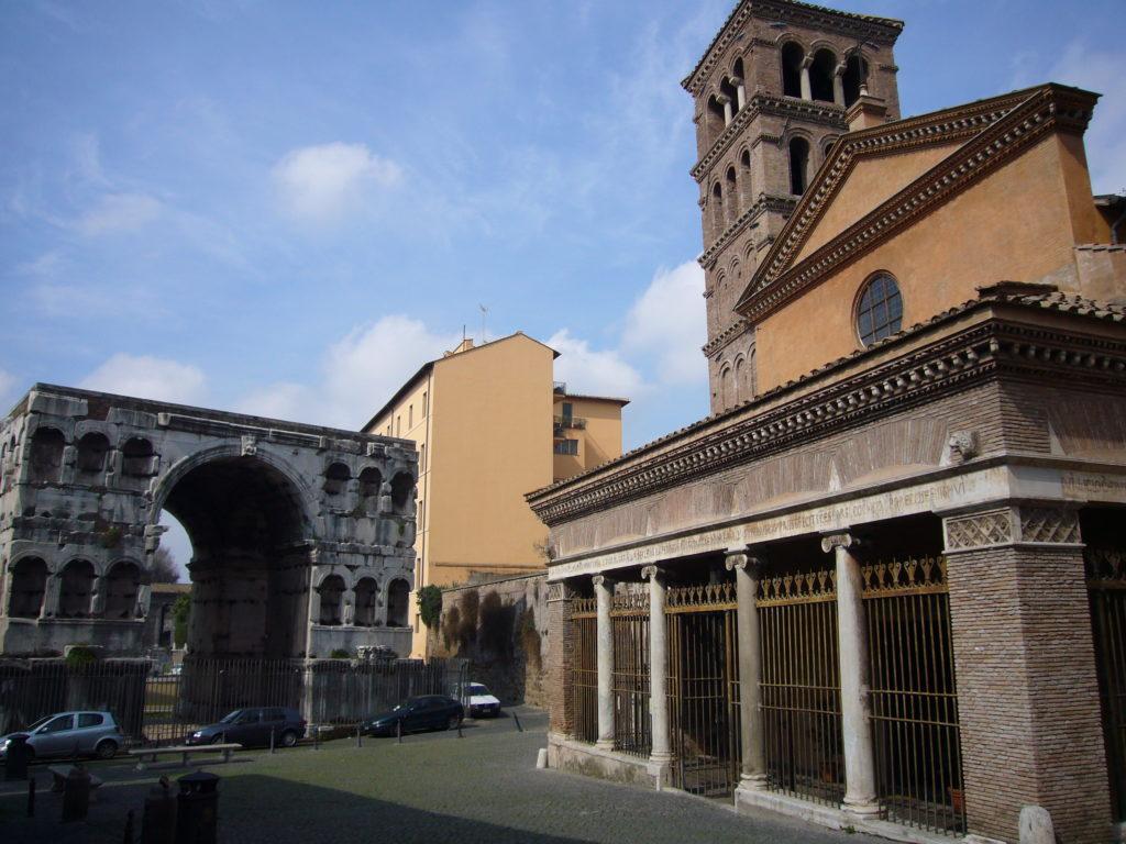 银匠拱门和圣乔治堂