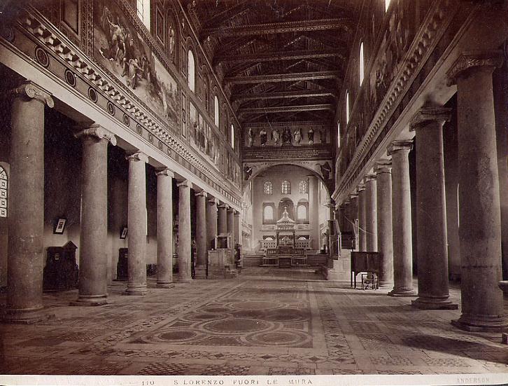1943年轰炸前的教堂内部
