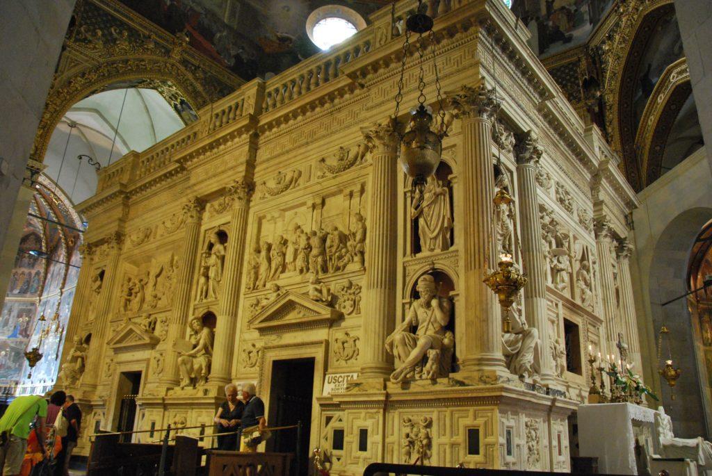 santuario_della_santa_casa_in_loreto_-_casa_santa